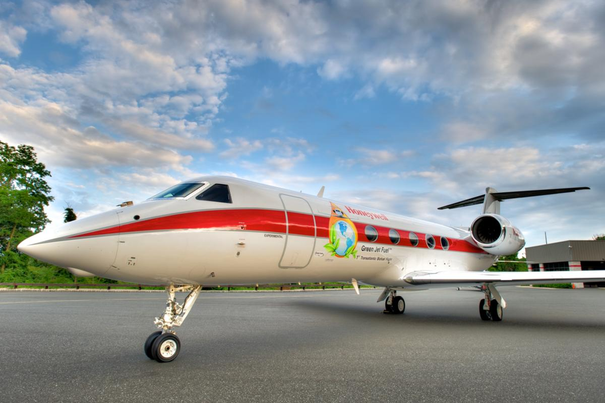 Gulfstream G450 crosses the Atlantic on 50/50 biofuel-jetfuel blend