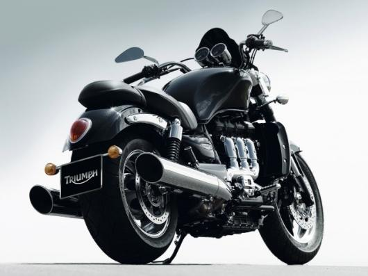 When way too much is insufficient - the Triumph 2010 Rocket III Roadster gets 15% more torque