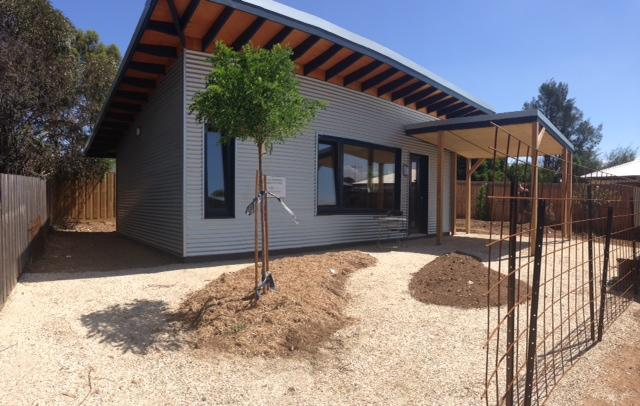 Castlemaine Passivhaus is a 39 sq m (419 sq ft) Passive House in Australia
