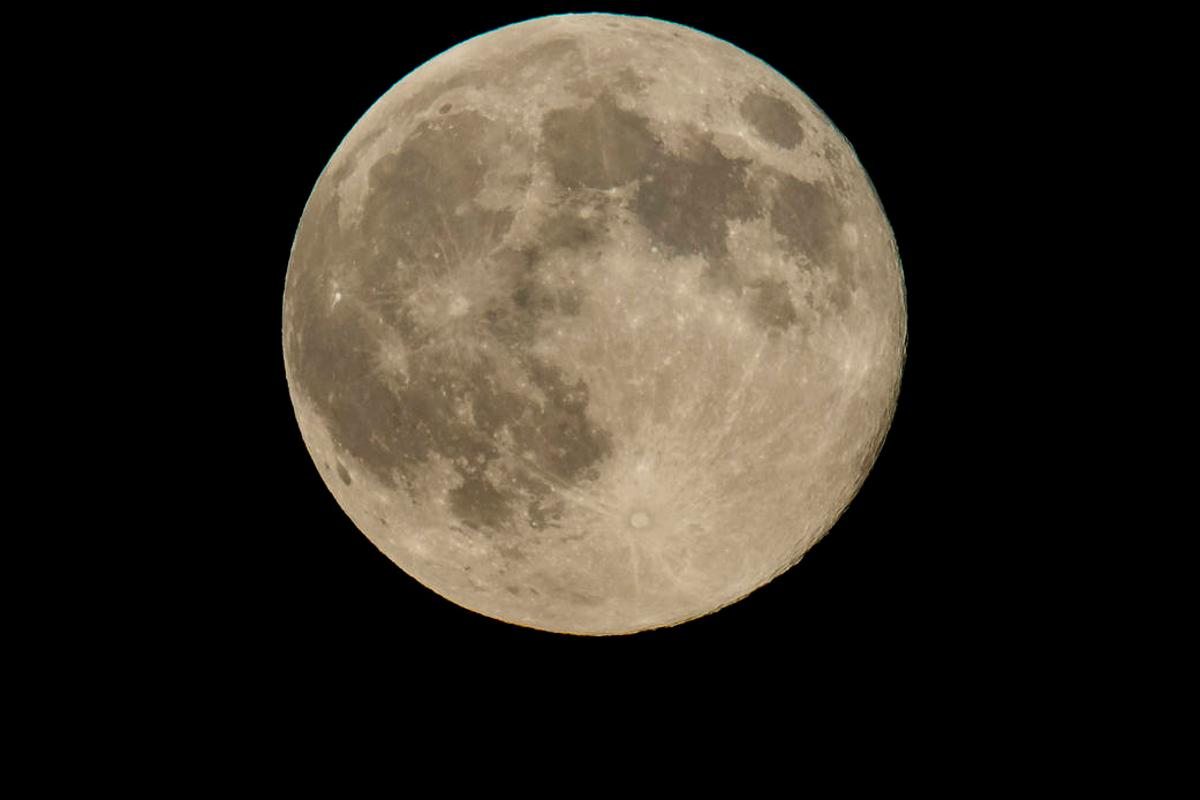The closest supermoon in several decades will occur on November 14, 2016