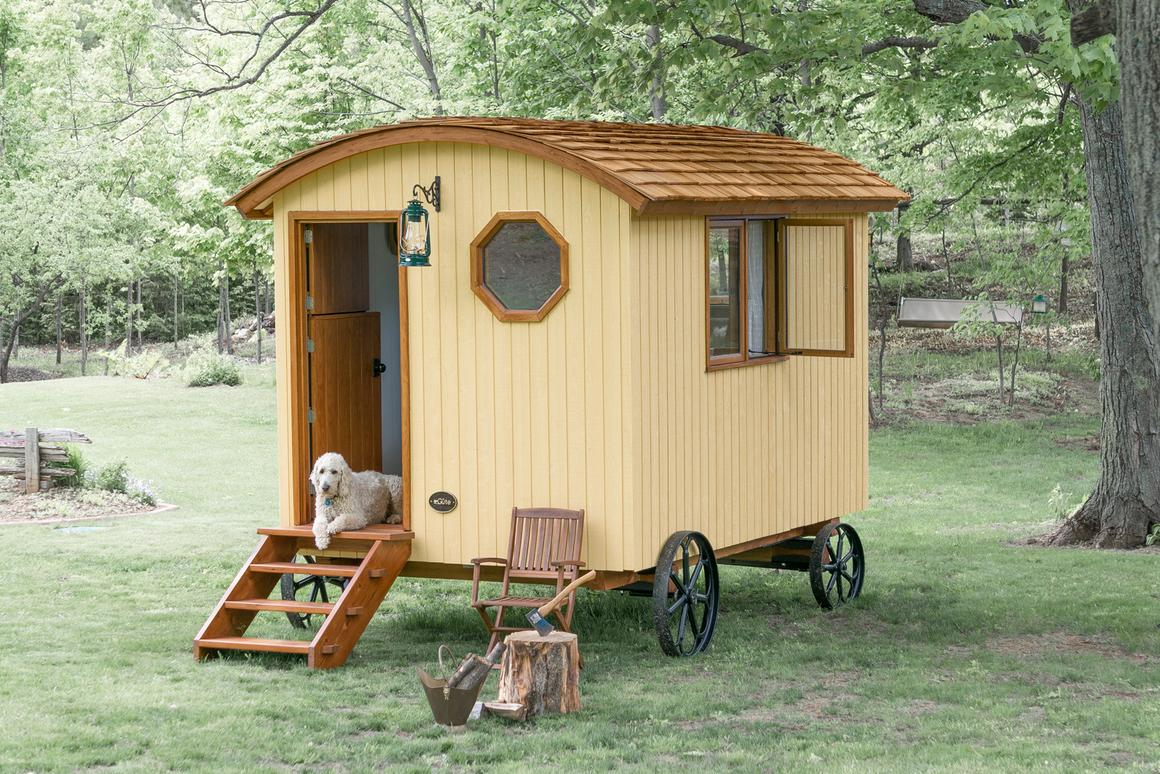 The Shepherd Hut will set you back around CAD 32,900 (US$29,146) (Photo: Güte)