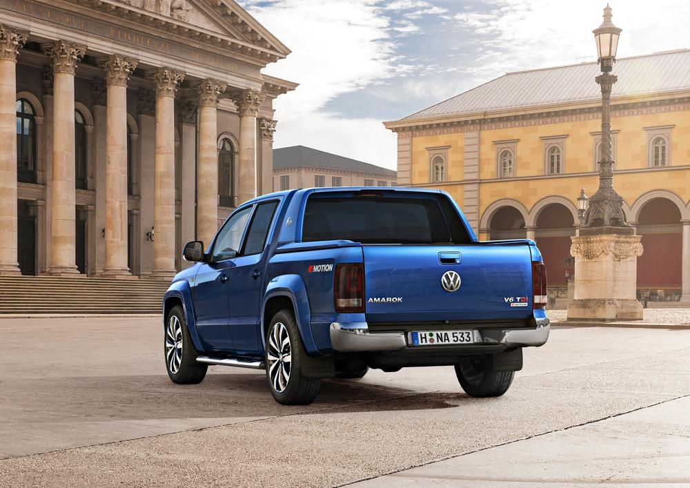 There's very little to set the updated Amarok apart from its precedessor