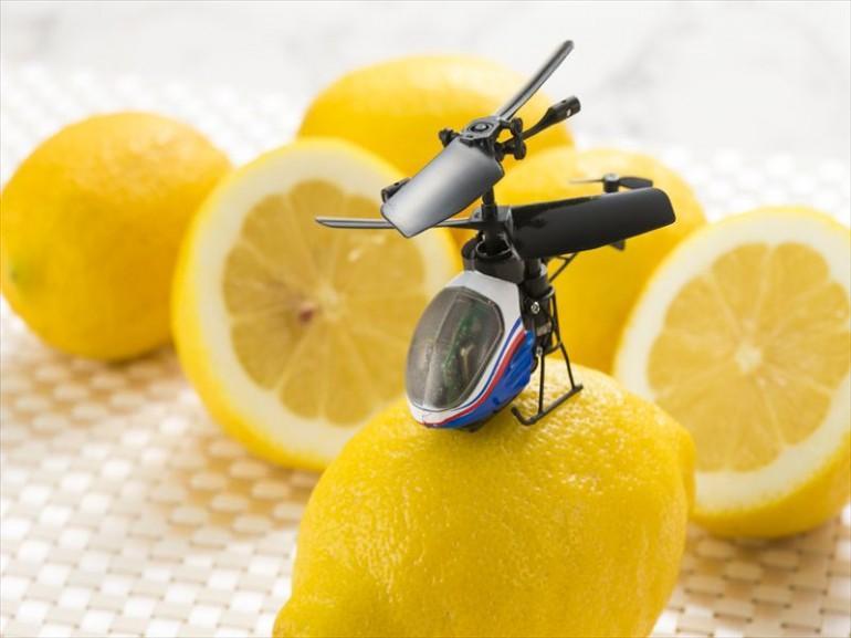 Nano-Falcon - le plus petit hélicoptère au monde avec télécommande