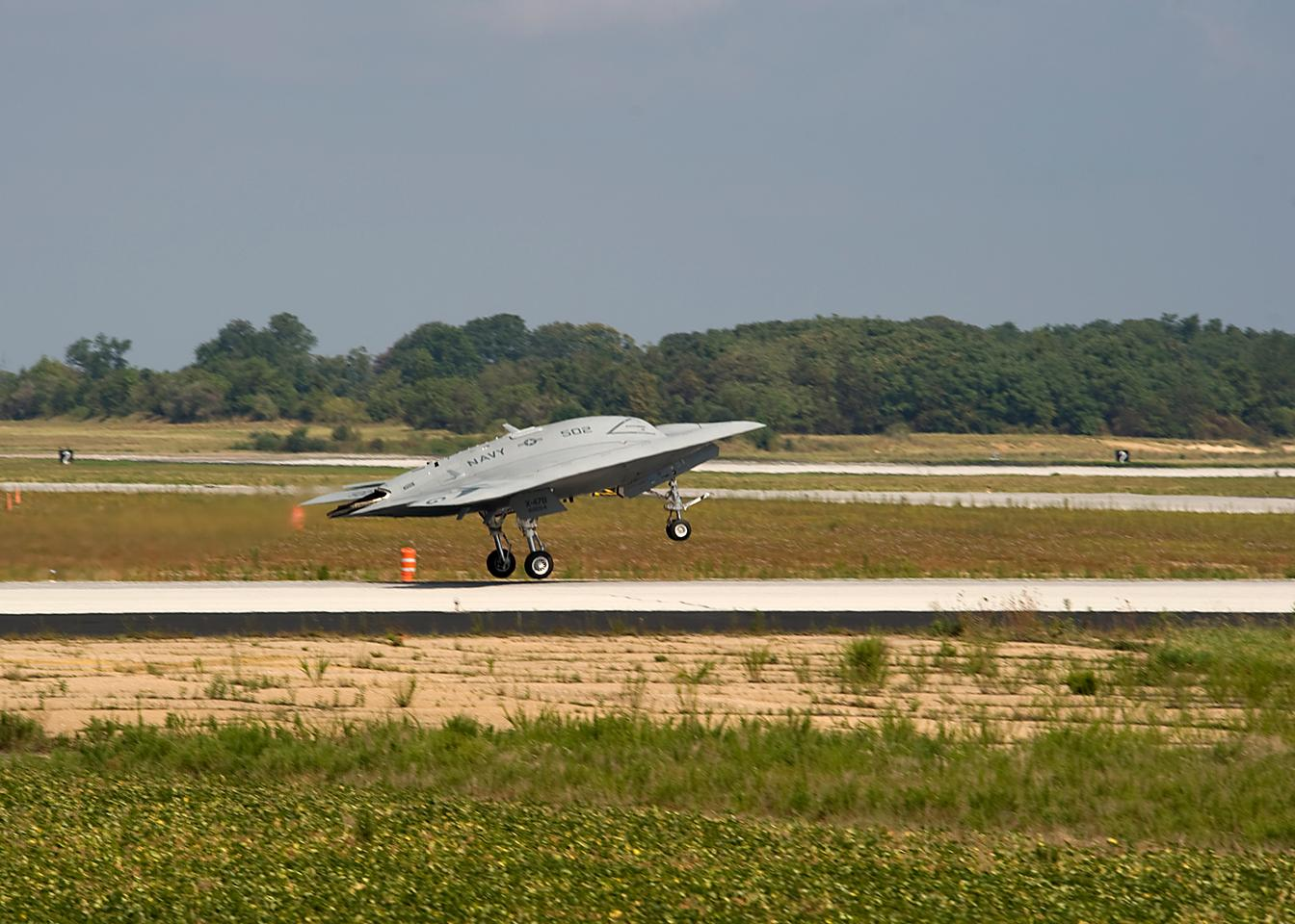 The X-47B launches rom Pax River for a 35-minute flight over the Chesapeake Bay on July 29 (Photo: U.S. Navy)