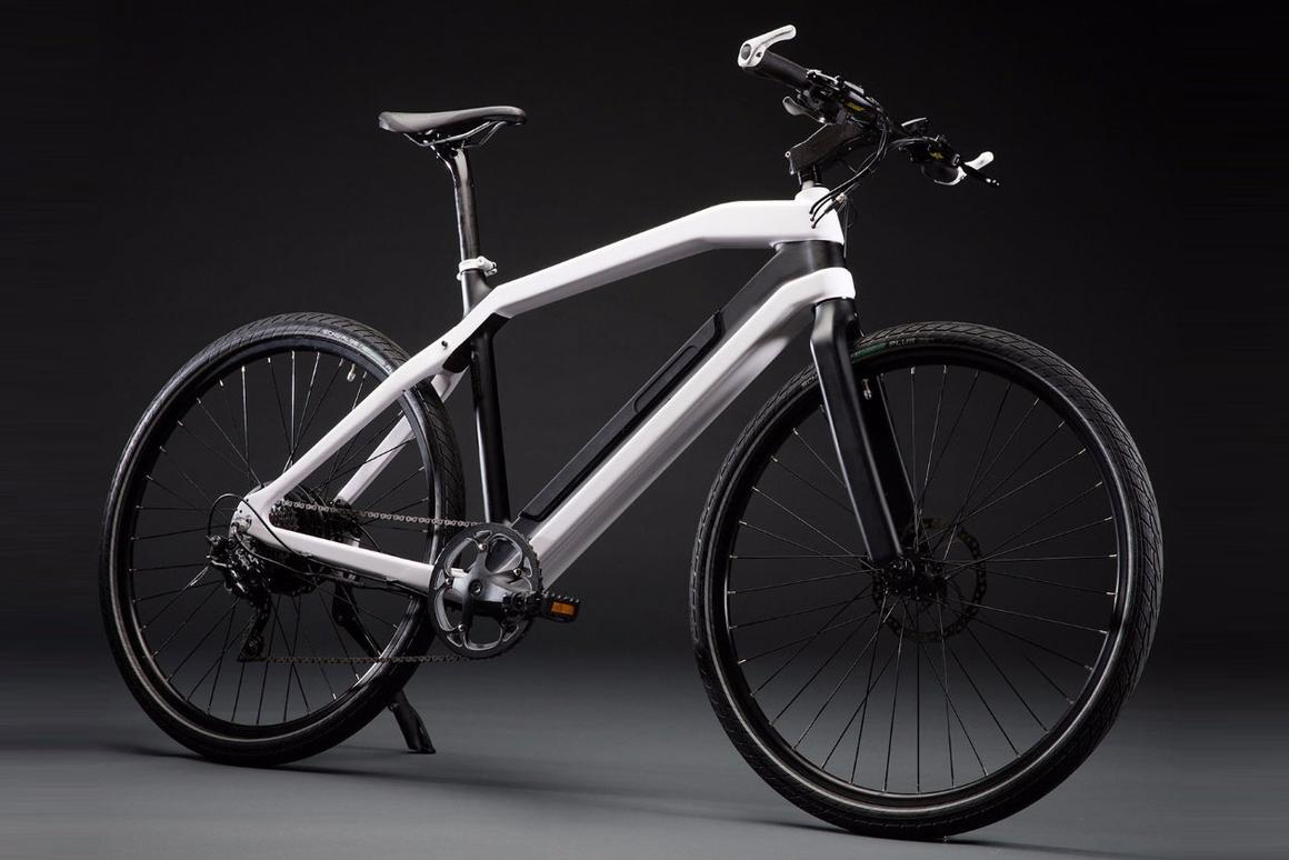 High-end Zeitgeist City electric bike targets