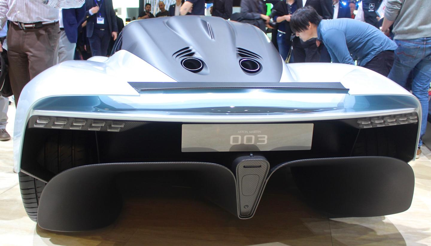 Design for the AM-RB 003 is based on a variable airfoil, which encompasses the entire rear wing in a technology pulled from aircraft tech