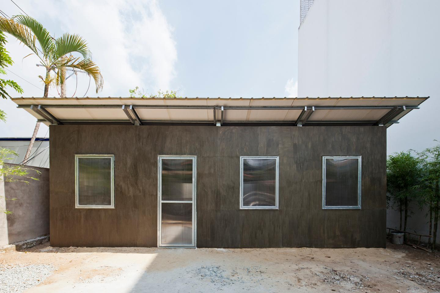 """The aim of this serial project is to provide stable but lightweight, permanent but affordable homes for low-income earners in a harsh tropical climate,"" says Vo Trong Nghia (Photo: Hiroyuki Oki)"