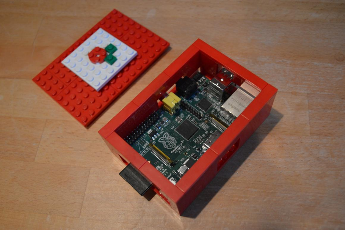 Gizmag's Raspberry Pi, in its LEGO case. Finally... (Photo: Gizmag)