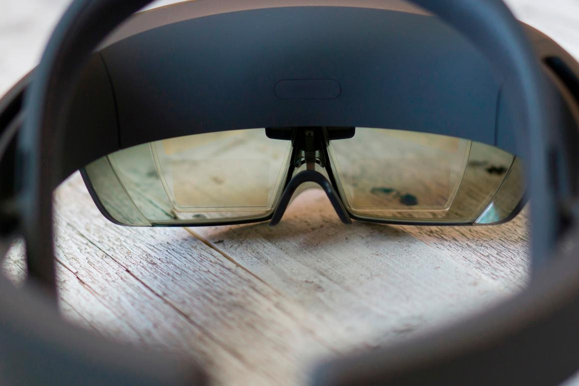 HoloLens or justhollow lenses?We temper expectations with a few mockups of what the ARheadset's field of view really looks like