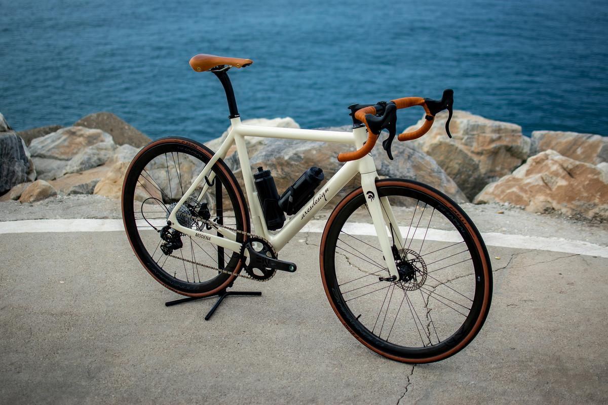 The Ares Super Legerra includes leather-wrapped handlebars and a leather saddle