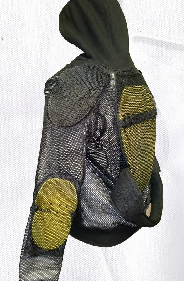Armor and mesh lining covering the Covec material inside a Bull-it Jeans armored hoodie