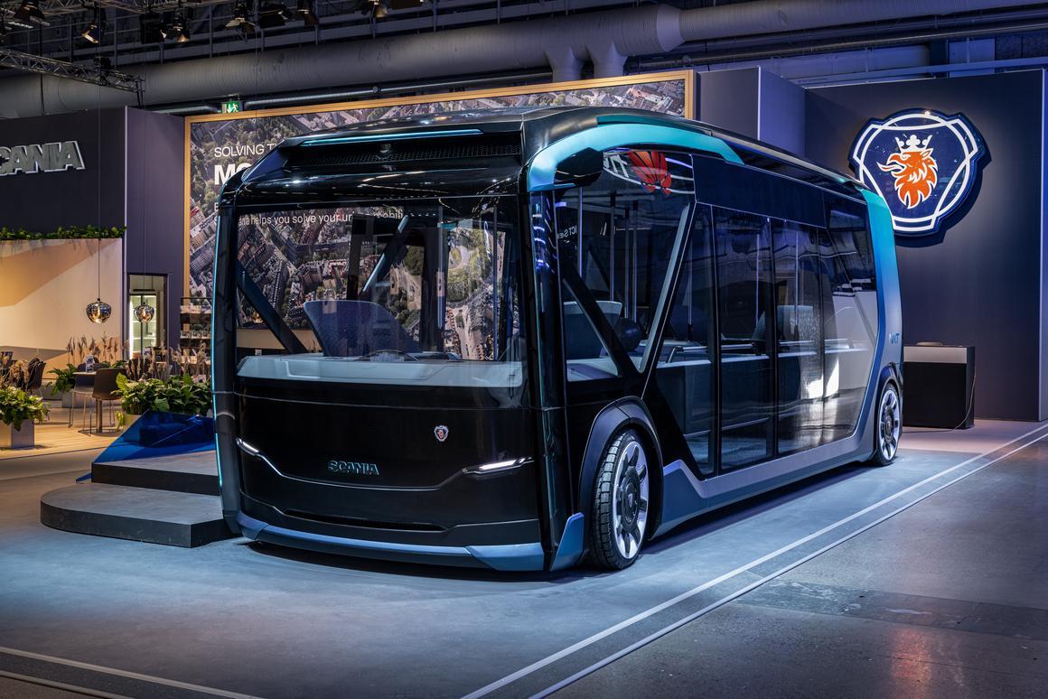 The bus module features plenty of windowsfor openviews