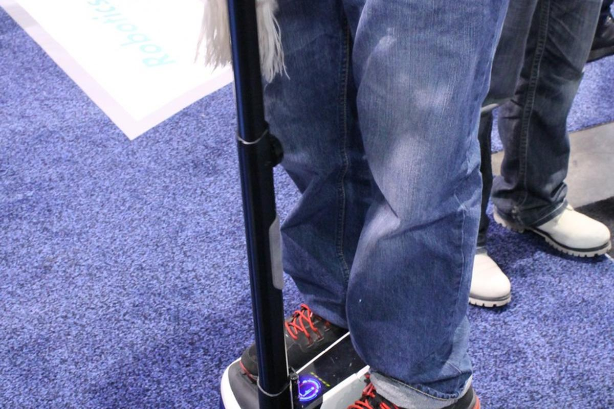The InMotion R2 in action at CES (Photo: Eric Mack/Gizmag.com)