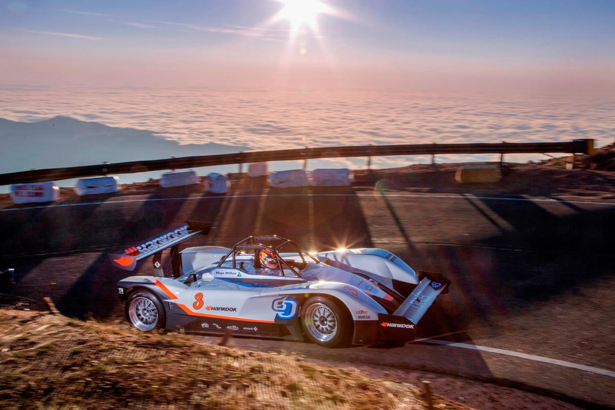 The Pikes Peak-winning eO weighs 1200 kg and produces 1020 kW, so it's no surprise it can scream all the way to 260 km/h
