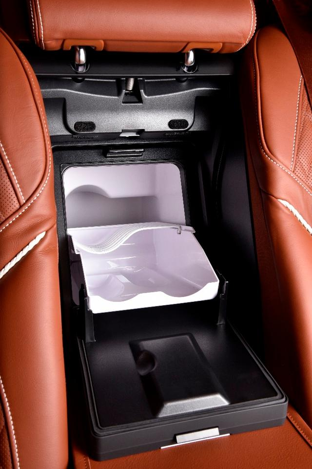 The special edition 7 Series are fitted with coolers and glass holders
