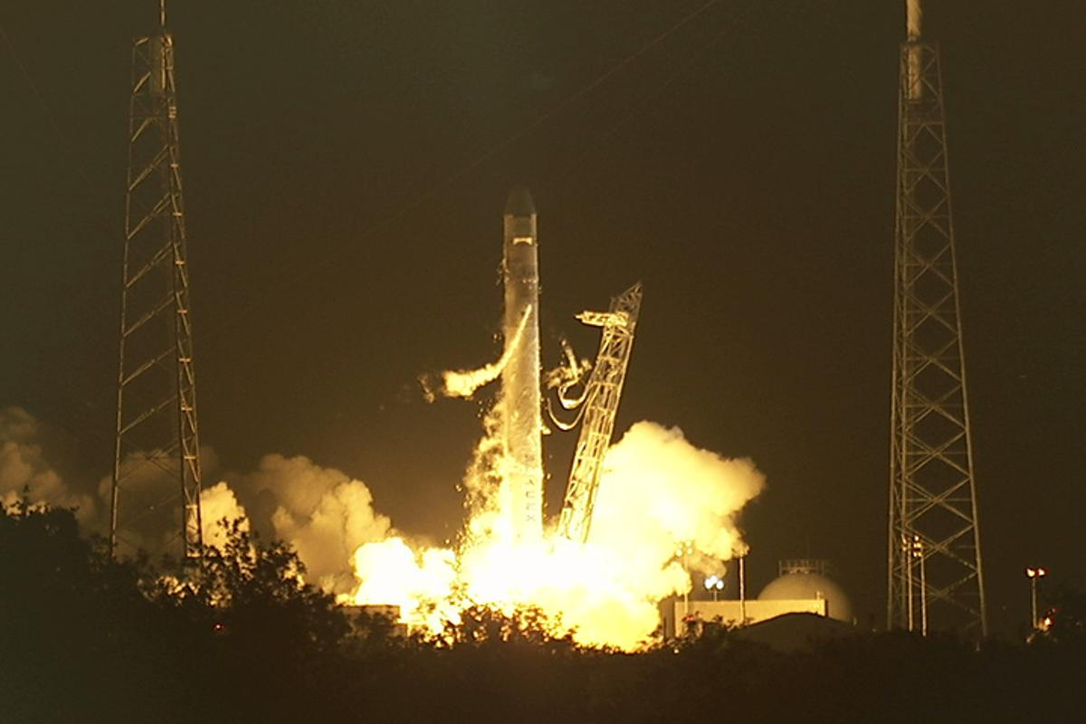 Liftoff of the SpaceX Dragon/Falcon 9 mission to the ISS (Photo: NASA)