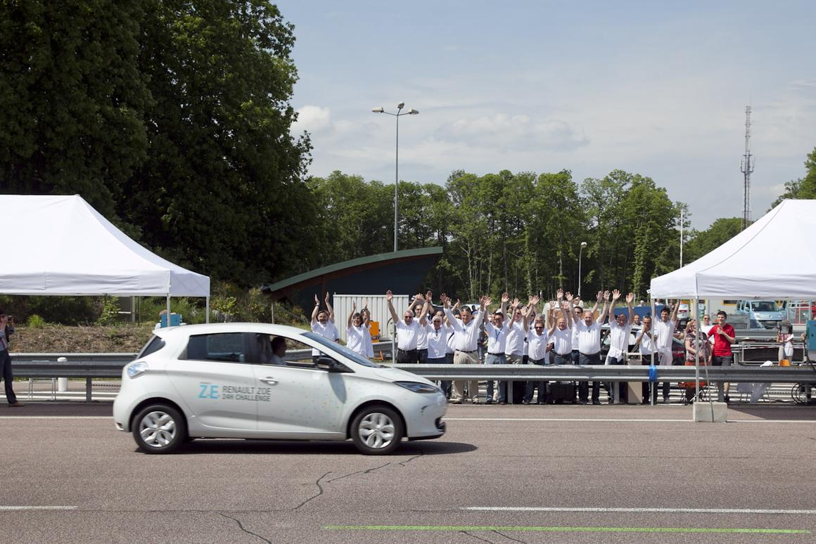 A ZOE EV going round the speed ring in Normandy on the record-breaking attemot