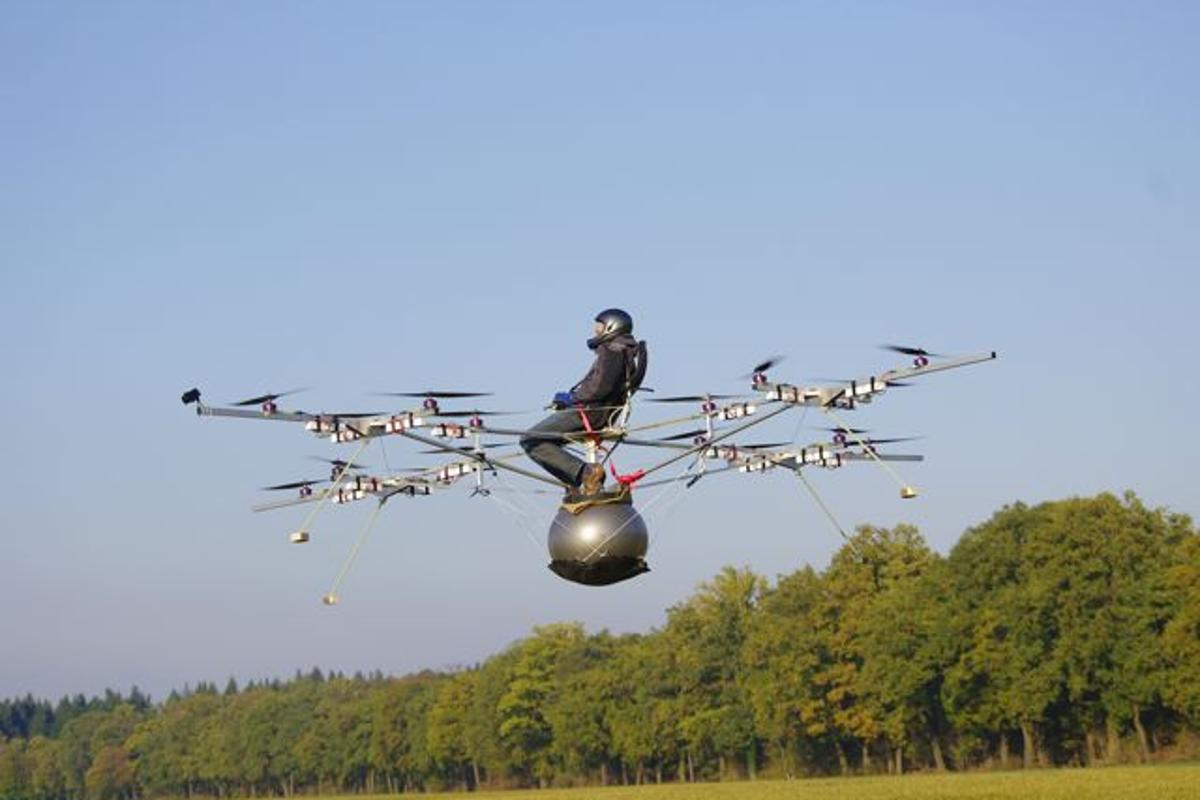 German aircraft company e-volo has accomplished what it claims is the world's first manned flight of an electric multicopter