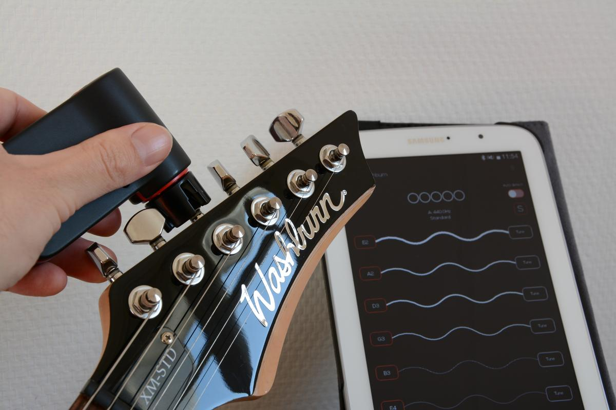 Gizmag reviews the Roadie automatic guitar tuner (Photo: Paul Ridden/Gizmag)