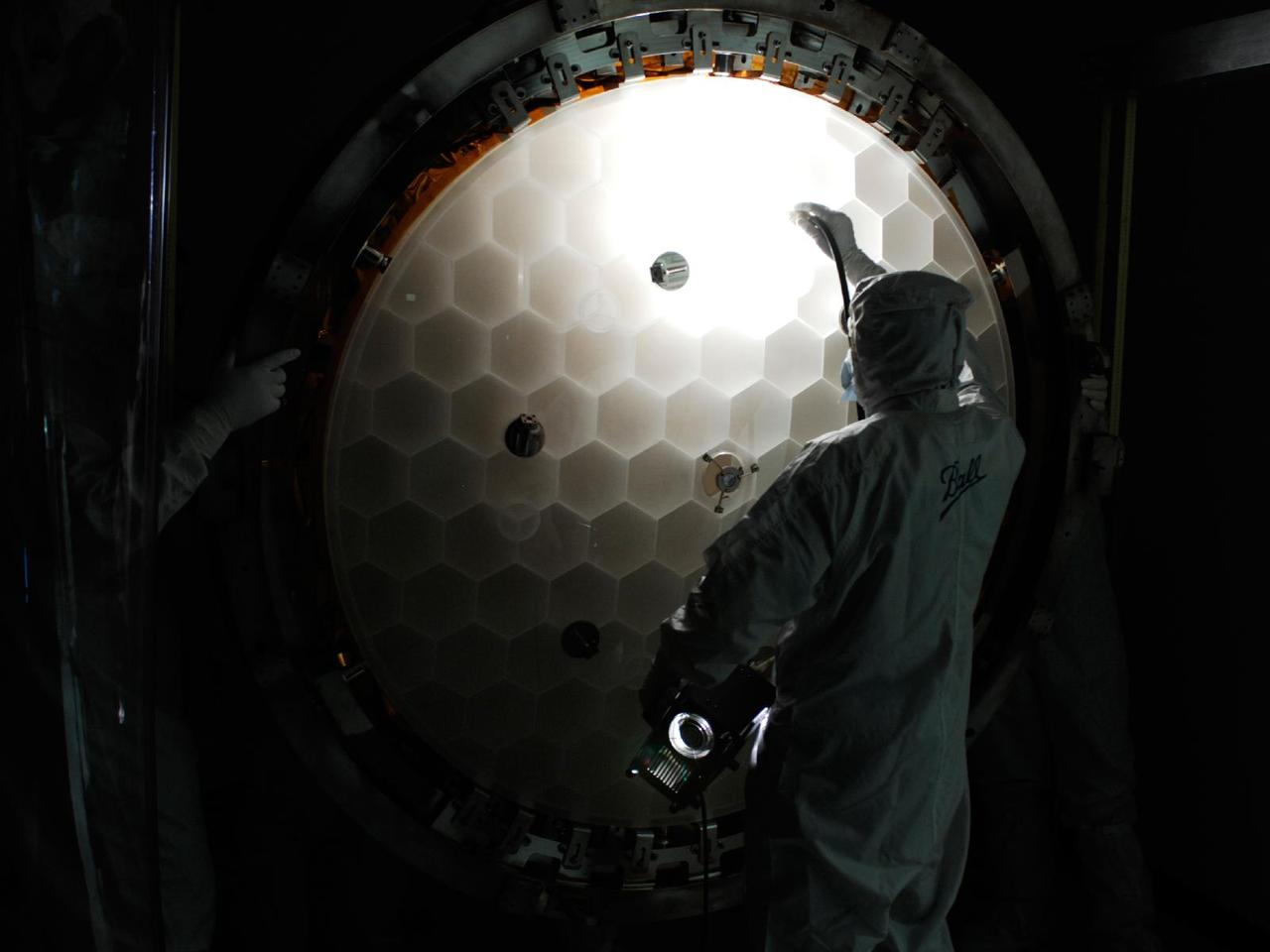 The Kepler primary mirror features a lightweight honeycomb structure (Photo: NASA and Ball Aerospace)