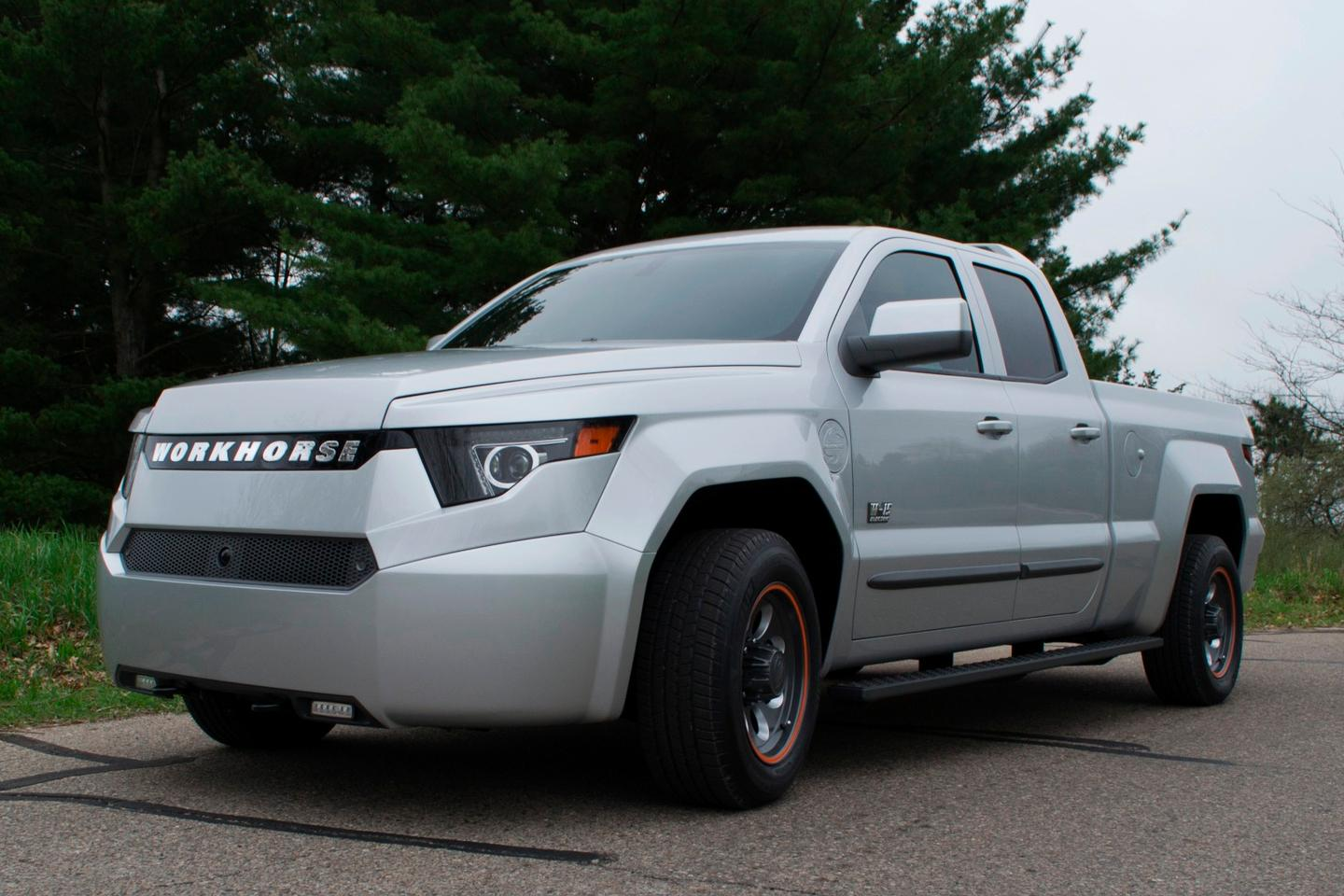 Though it still has an internal combustion engine under the hood, Workhorse has done away with the large, breezy grille common onpickup trucks