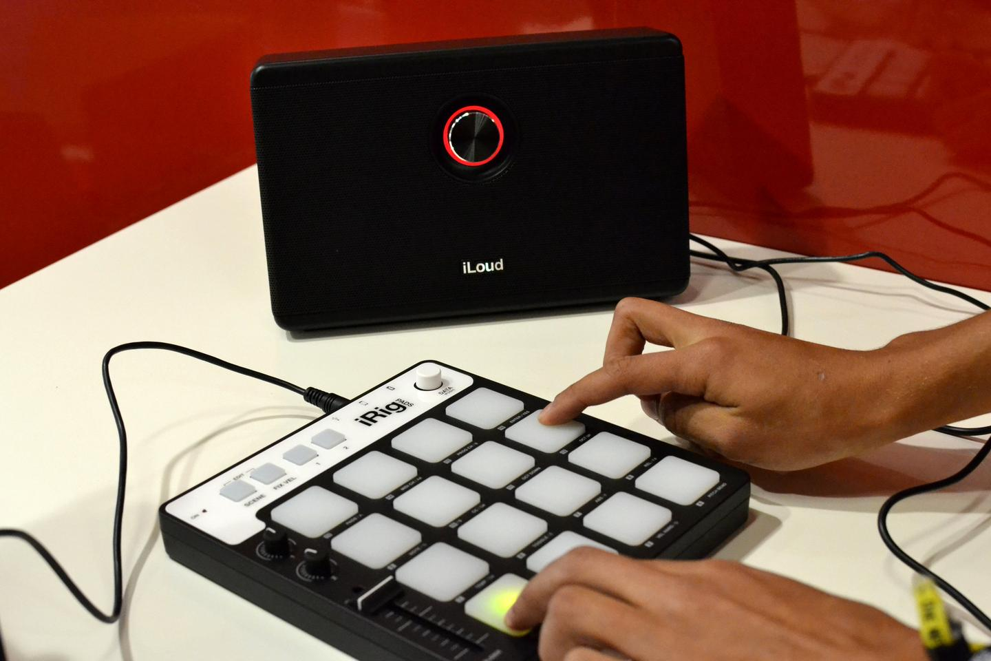 The iRig Pads draws its power from the device it's connected to (Photo: Paul Ridden/Gizmag)