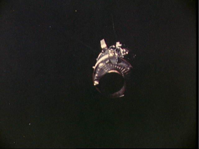 Le module de service Apollo 13 après la séparation