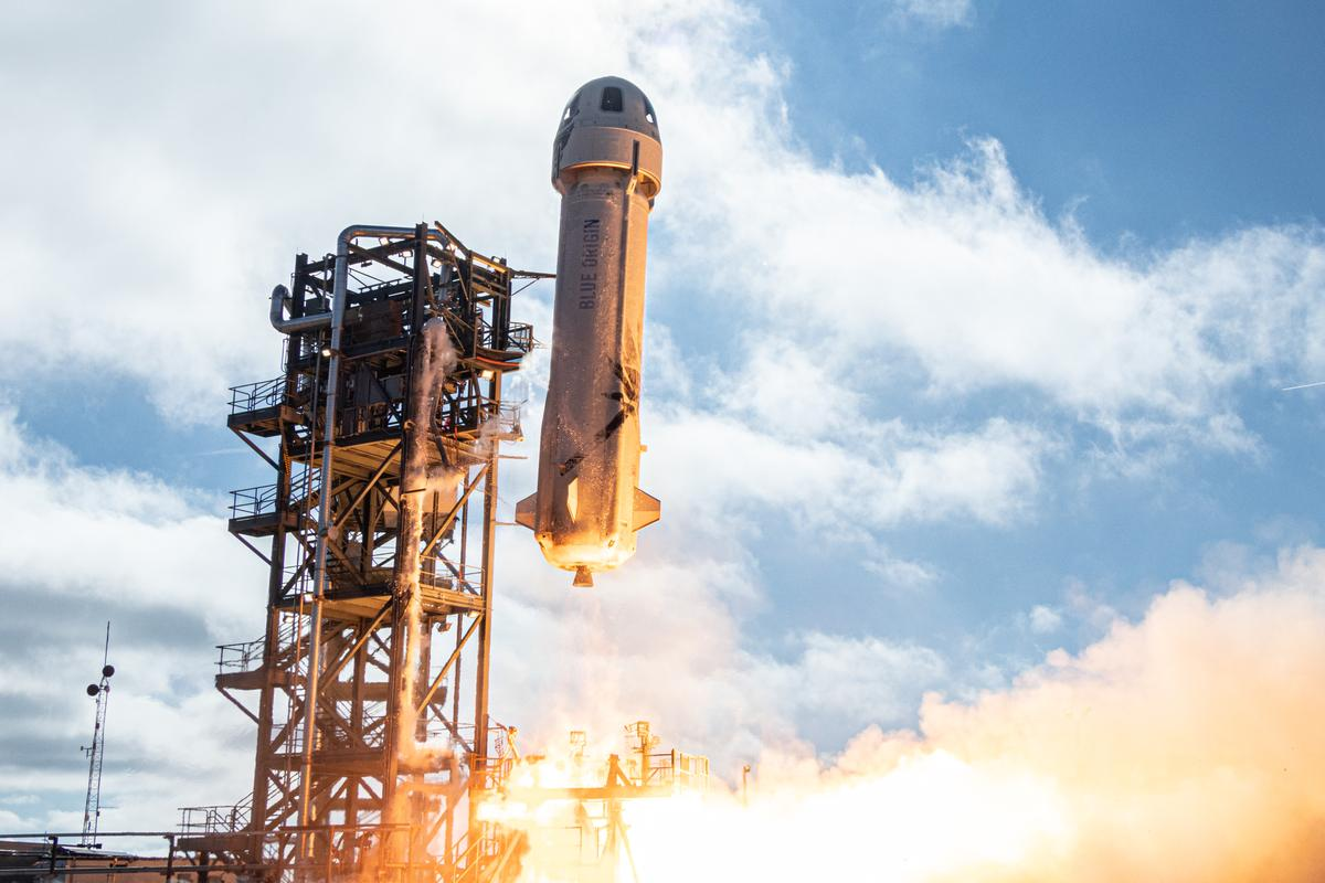 NS-12 lifting off from the Blue Origin launch facility in West Texas