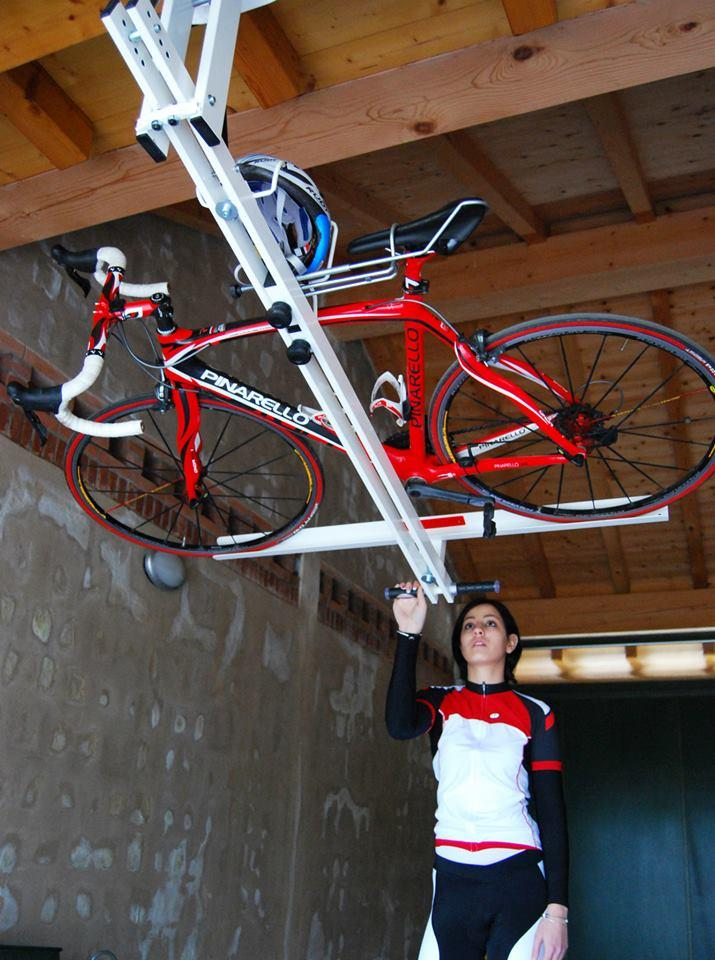 Pulling the flat-bike-lift down