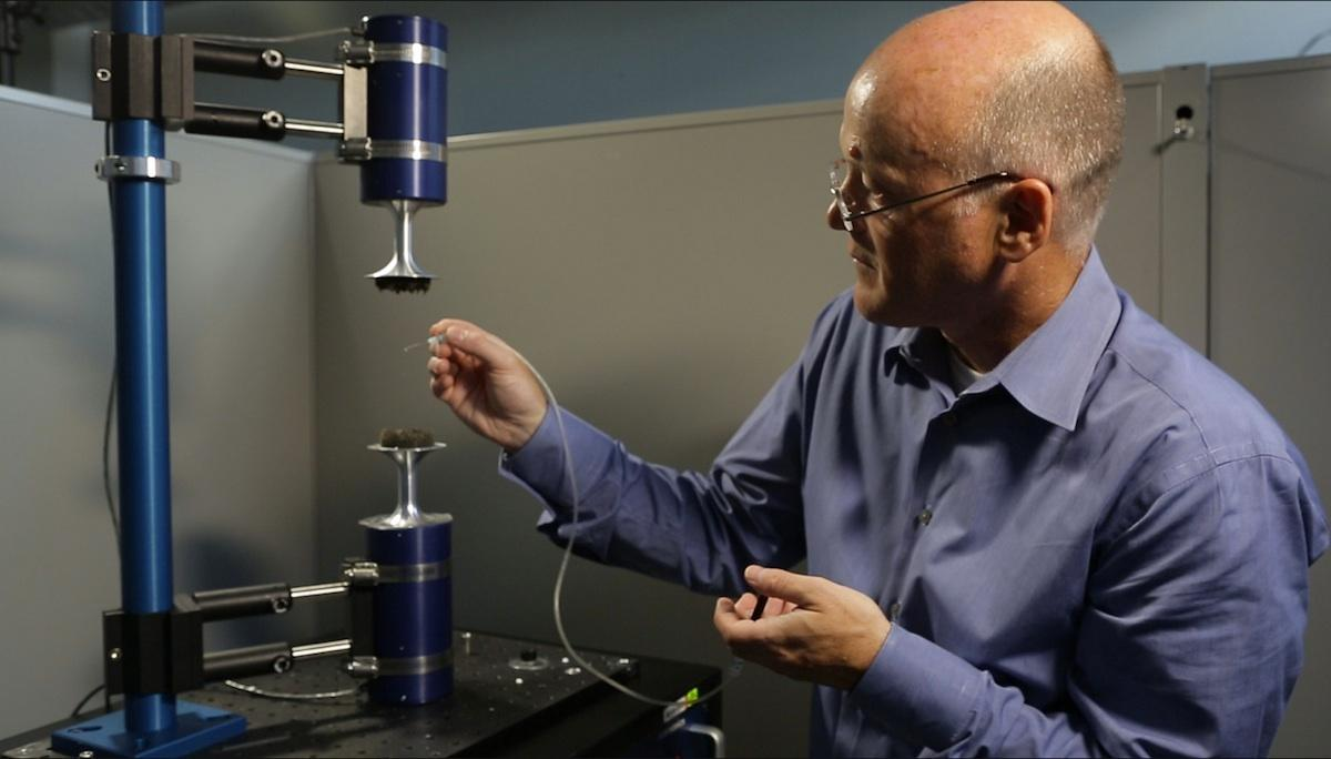 Levitation allows amorphization of drugs to be studied while they are being processed (Photo: Dan Harris)