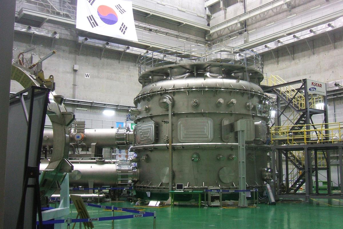 "KSTAR, the so-called ""Korean artificial sun,"" has set a record for maintaining plasma at temperatures over 100 million °C"