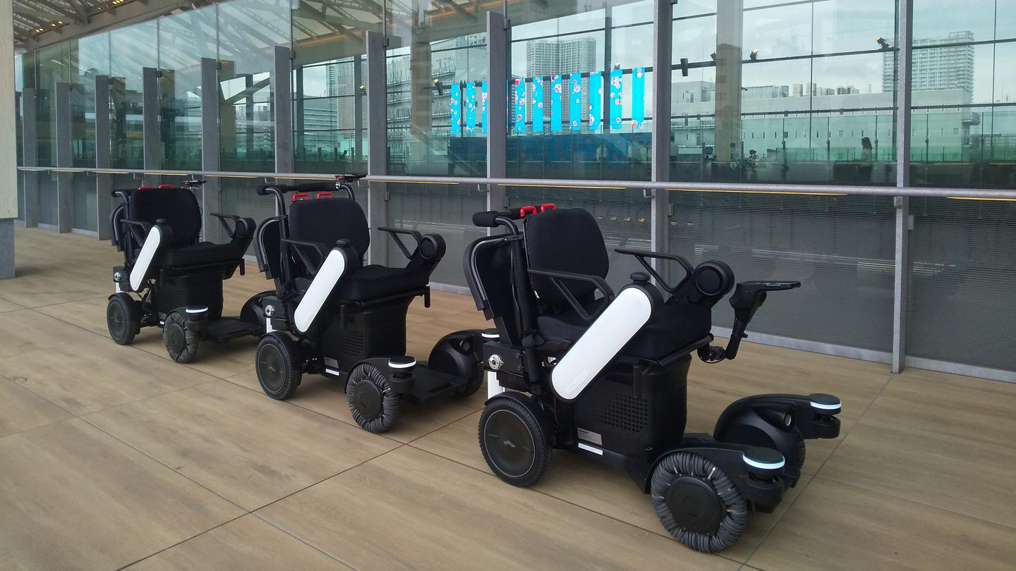 Three mobility robots will be tested at the railway station