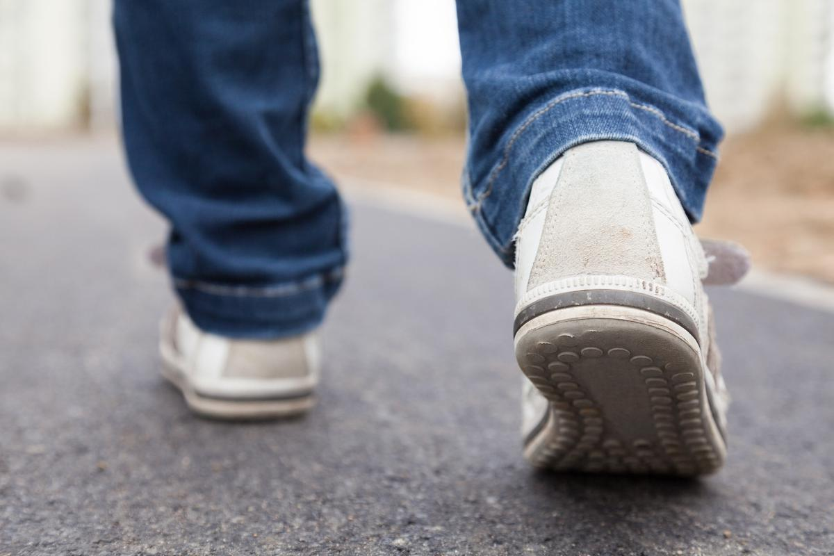 """Not everyone can walk smoothly like this – people with Parkinson's disease sometimes experience """"gait freeze"""""""