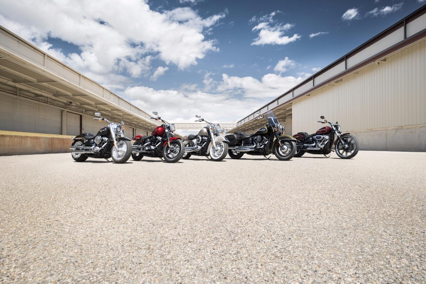 Harley-Davidson introducesthe 2018 Softail model family with new engine, frame and suspensions