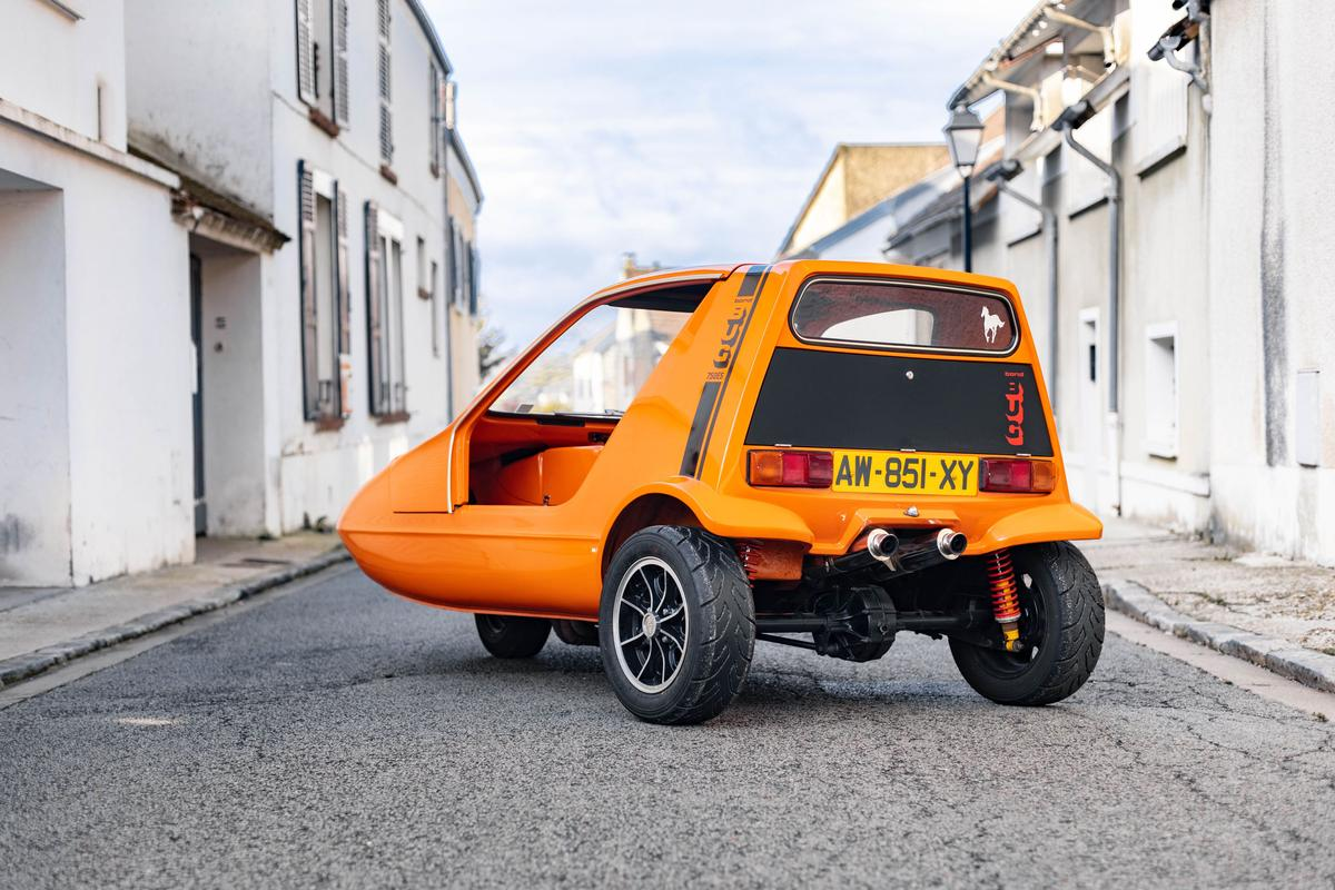 This 1973 Bond Bug 3-wheeler has been fitted with an outrageous Yamaha R1 superbike engine, quintupling its power output