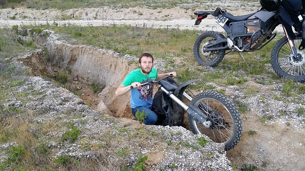 Luke Workman testing the Zero FX in reasonably unforgiving terrain
