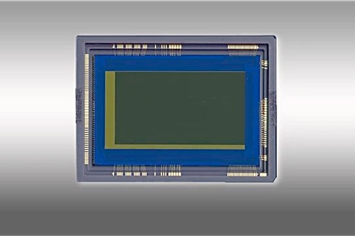 Canon's new 35mm full-frame CMOS sensor