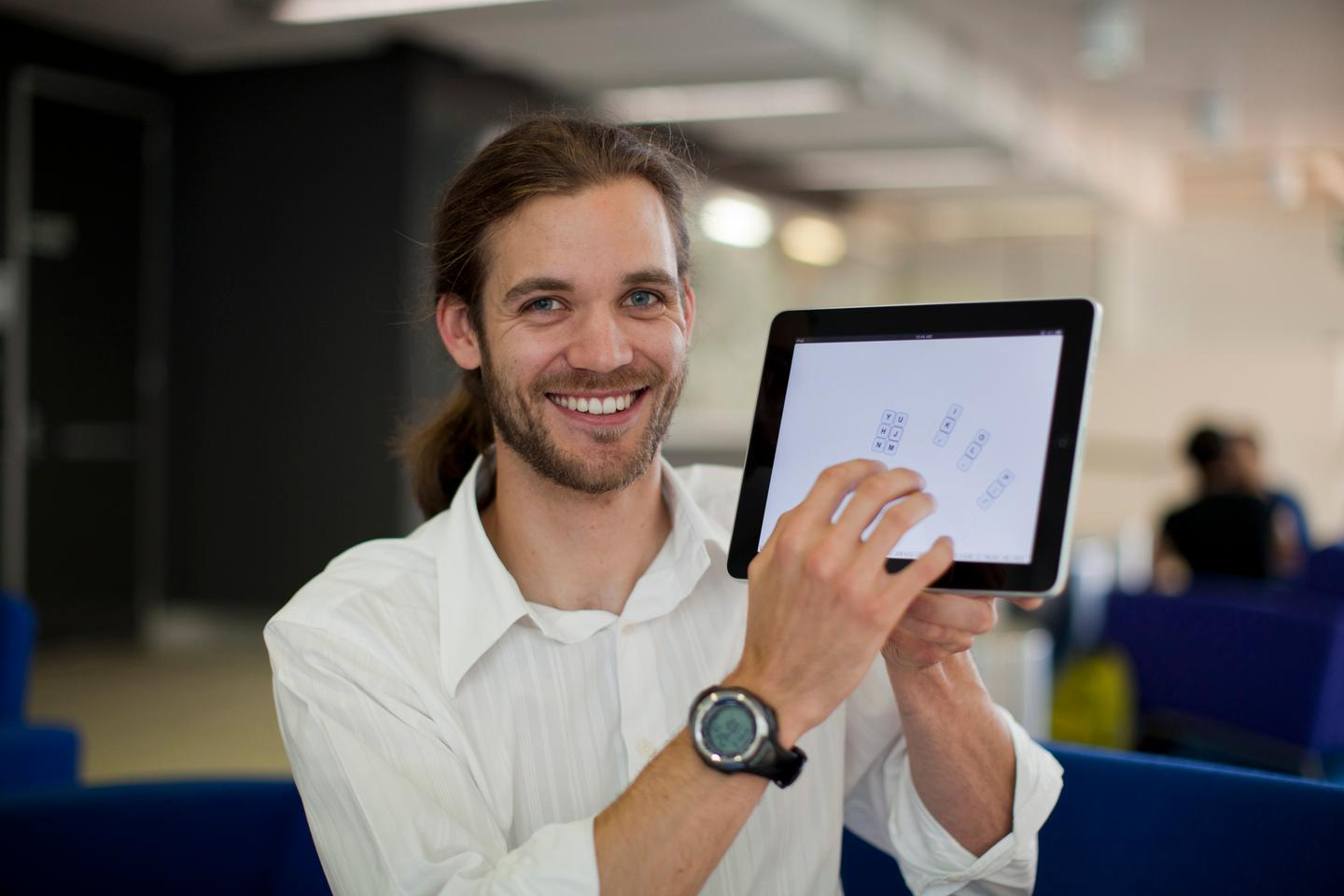 Researchers from the University of Technology, Sydney have developed tablet software that's said to enable touch-typists to tap away without having to look at the screen