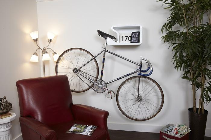With Shelfie, US-based inventor Jurgen Beneke aims to cater to the many reasons people might want to mount their bike on their wall