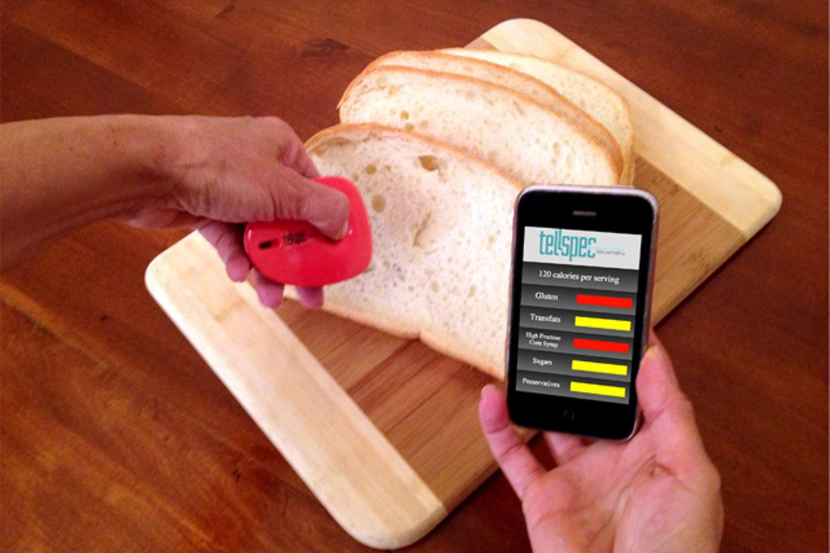 TellSpec is a handheld food scanner that connects to your smartphone to inform you about allergens, chemicals, nutrients, calories, and the ingredients present in any food item (Image: TellSpec)