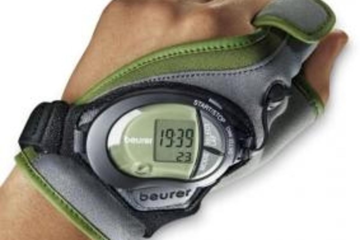 Beurer's PM 100 beltless heartrate monitor