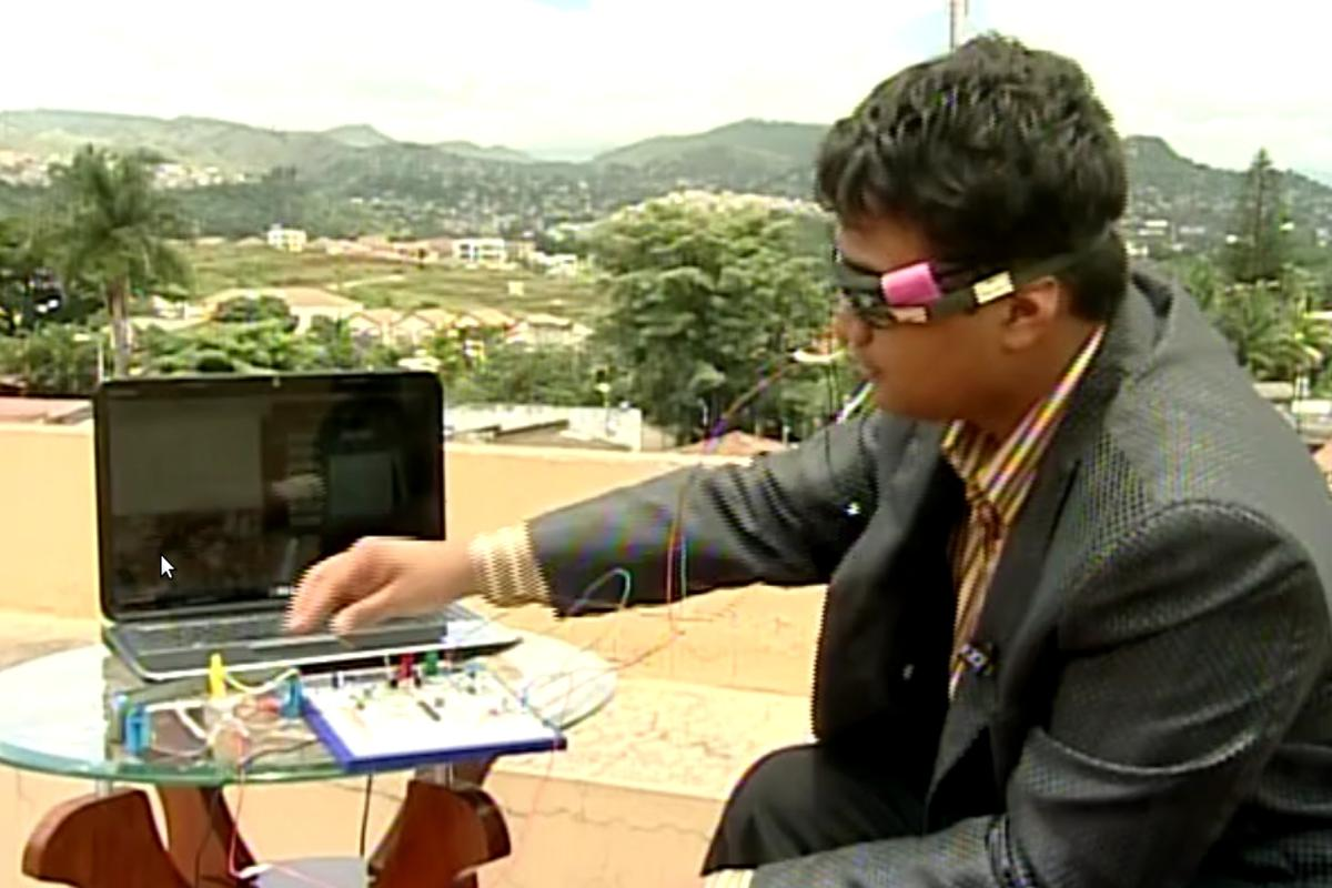 Luis Cruz's Eyeboard - an eye tracking computer interface for the disabled