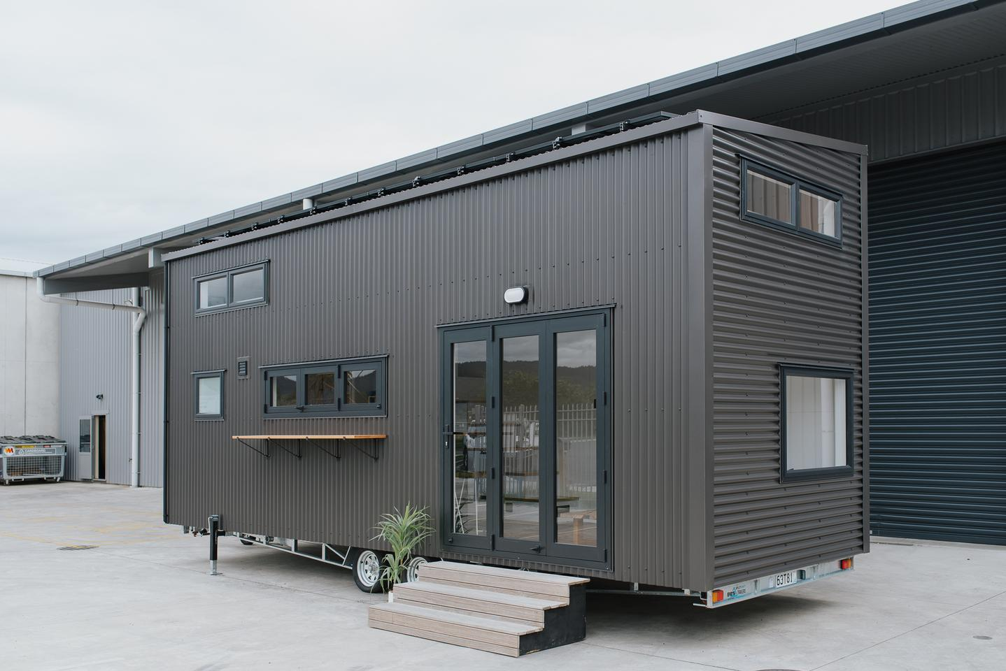 Cyril the Tiny House reaches a total length of 8 m (26 ft)