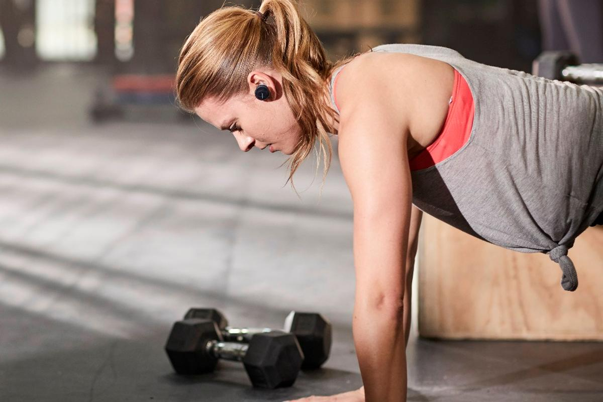 The Bose SoundSport Free earbuds canpair with aphone or tablet up to 30 ft away (9.1 m)