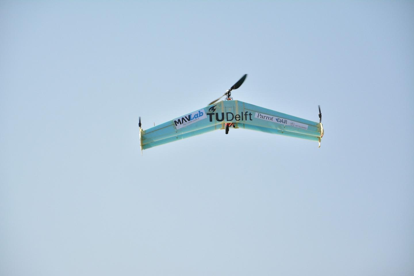 The delftAcopter is capable of entirely autonomous flight, including takeoff, forward flight transition and landing