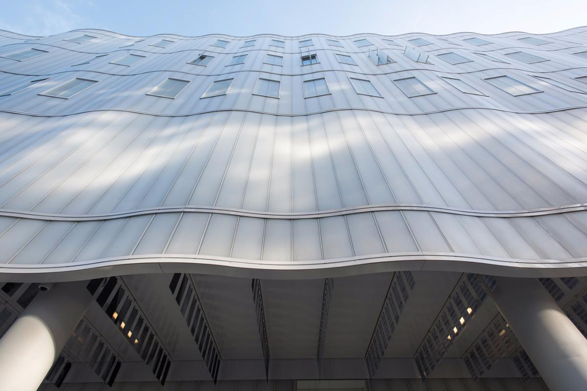 The Best Façade Design and Engineering and Overall Winner of the LEAF Awards 2016 is the Sainsbury Wellcome Centre for Neural Circuits and Behaviour