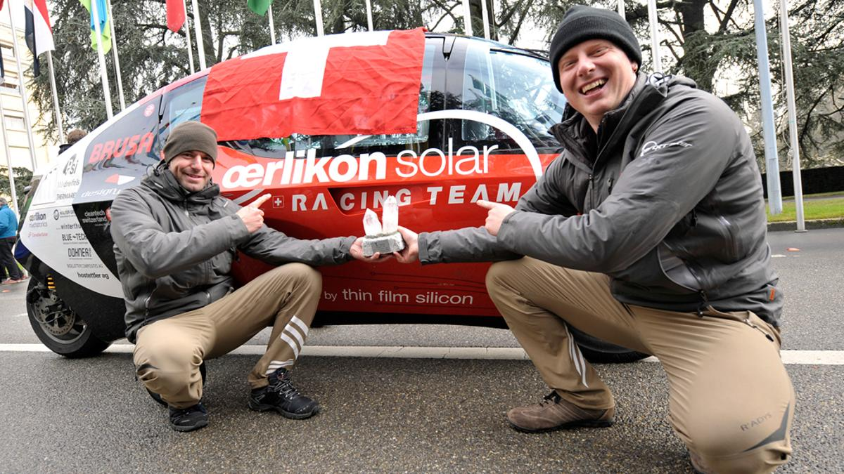 The Oerlikon Solar Racing Team celebrates its victory in the Zero Race with the Zerotracer