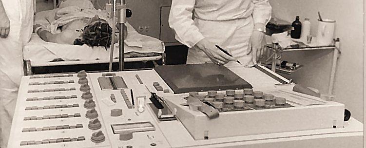 A 1960s era electroencephalograph (Photo: Katscherowski (verehel. Stark) via Wikimedia Commons)