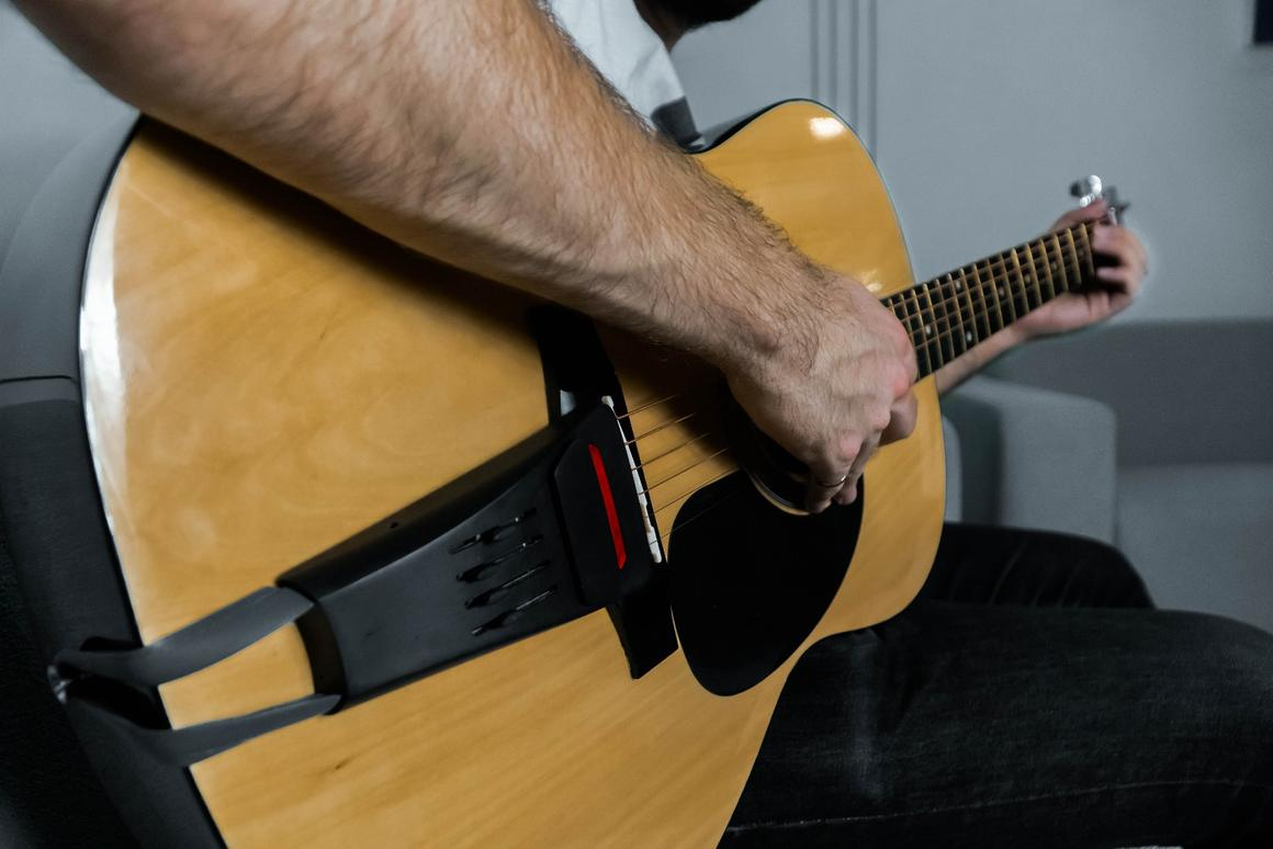 The Pulse adds distortion, reverb and delay effects to the sound coming out of an acoustic guitar