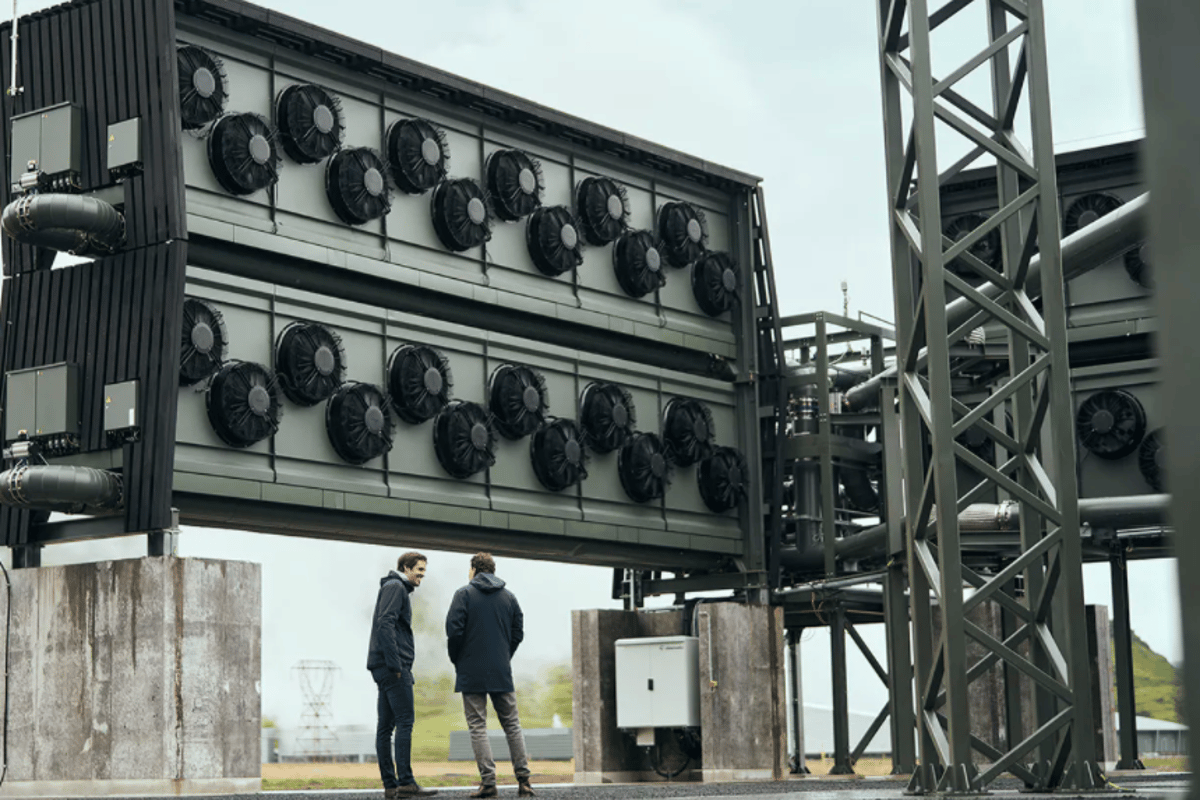 The new Orca direct air capture plant for CO2 storage relies on a modular construction method, where the technology is packed inside stackable units